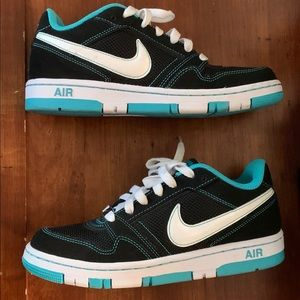 Nike women's air prestige III